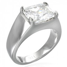 Massiver Ring mit rechteckigem klarem Zirkonia