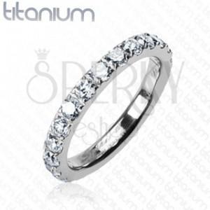 Ring aus Titan, komplett mit Zirkonia besetzt