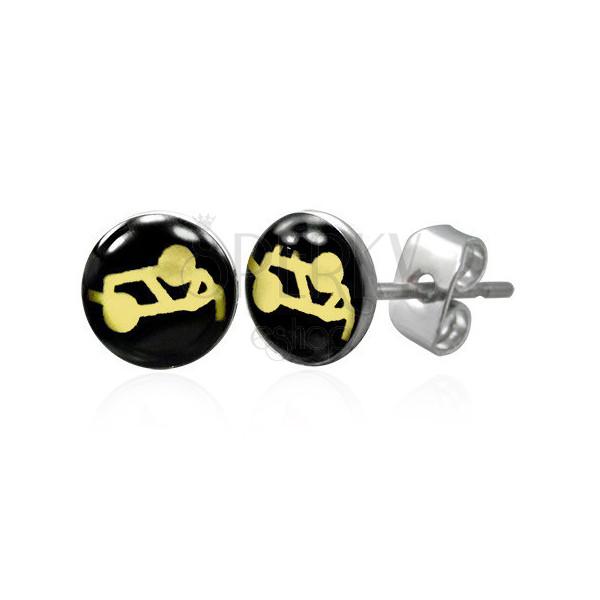 Stahl Ohrringe in silberner Farbe - Sex-Stellung auf einem schwarzen Hintergrund, klare Glasur