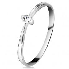 Ring aus 14K Weißgold - glänznder klarer Brillant in Fassung, schmale Ringschiene