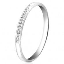 Brillantring aus 14K Weißgold – glitzernde Linie aus kleinen klaren Diamanten