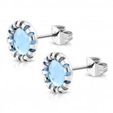 Ohrringe aus Chirurgenstahl - geschnitzte Blume, hellblauer Stein, Ohrstecker