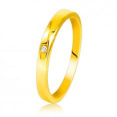 585 Gelbgold Diamantring – leicht abgeschrägte Ringschiene, klarer Brillant