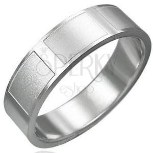 Ring aus Chirurgenstahl mit matten Rechtecken